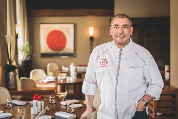 Christian Bau, Küchenchef im Victor's Fine Dining: »Ich bin froh, wenn es vorbei ist und ich wieder unseren Gästen in die Augen schauen kann«