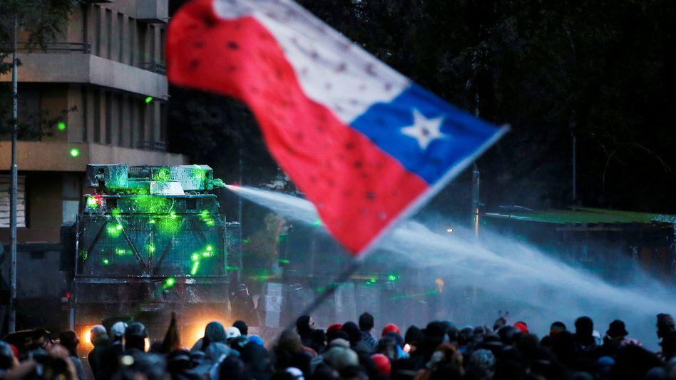 Demonstration in Chiles Hauptstadt Santiago: Fast nichts hat sich verbessert.