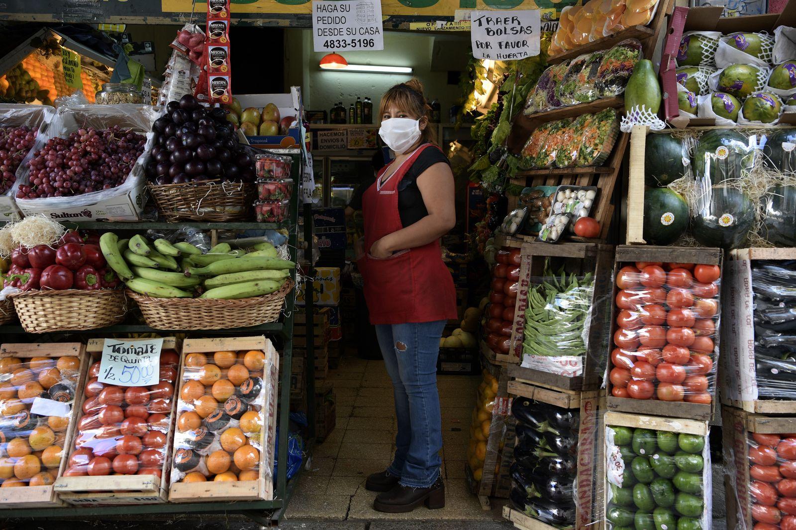 ARGENTINA-HEALTH-VIRUS-MAYDAY-PHOTO ESSAY