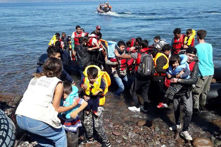 Afghanische Flüchtlinge erreichen am 1. Oktober die Küste von Lesbos