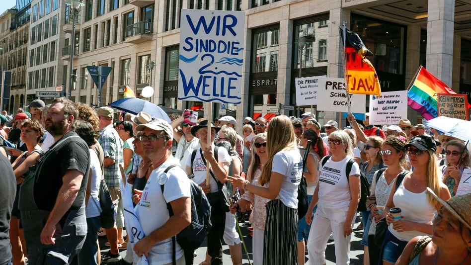 Corona-Demonstration: Bereits Anfang August protestierten in Berlin Tausende gegen die Schutzmaßnahmen