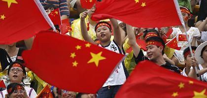 Chinesische Fans: Jubeln nach Vorschrift