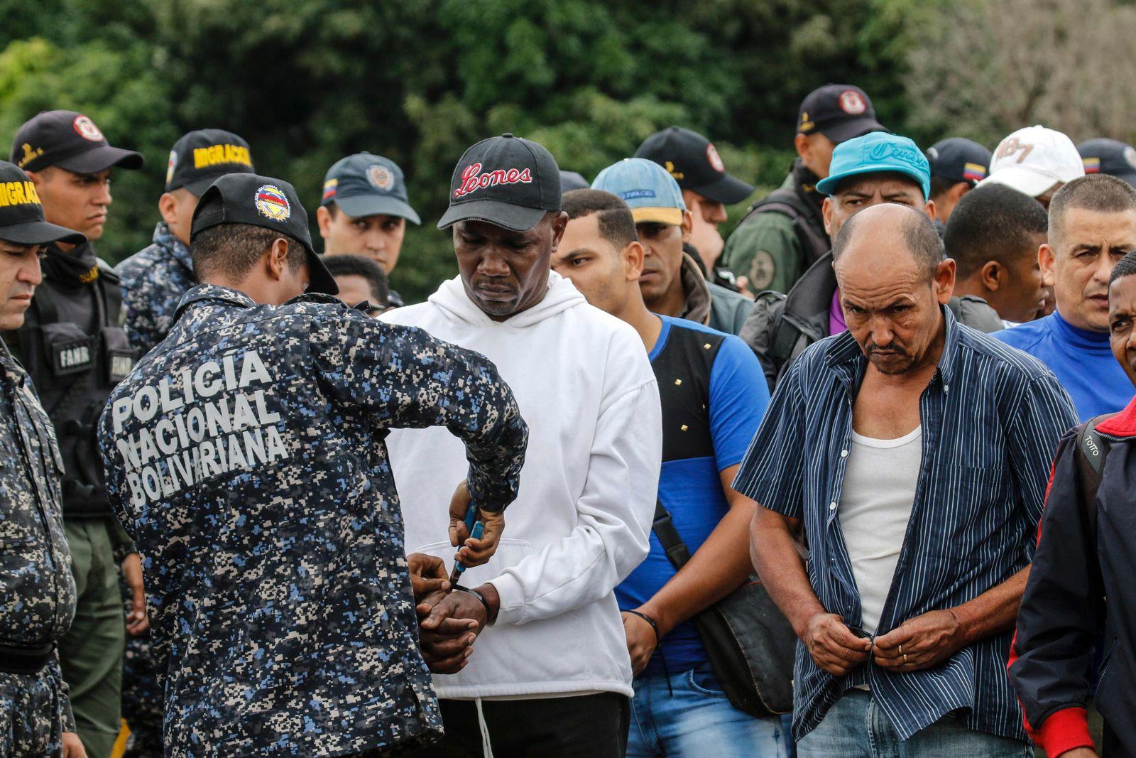 COLOMBIA-VENEZUELA-PRISONERS-DEPORTATION