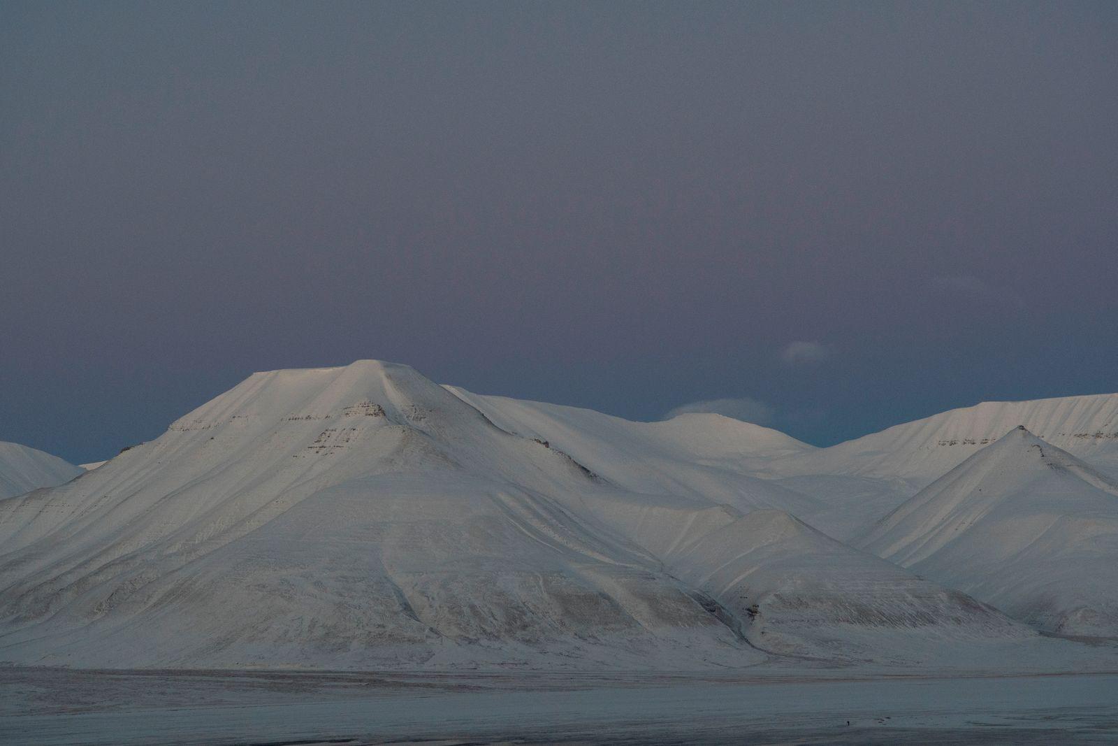 Longyearbyen oktoberlys_credit Line Nagell Ylvisåker