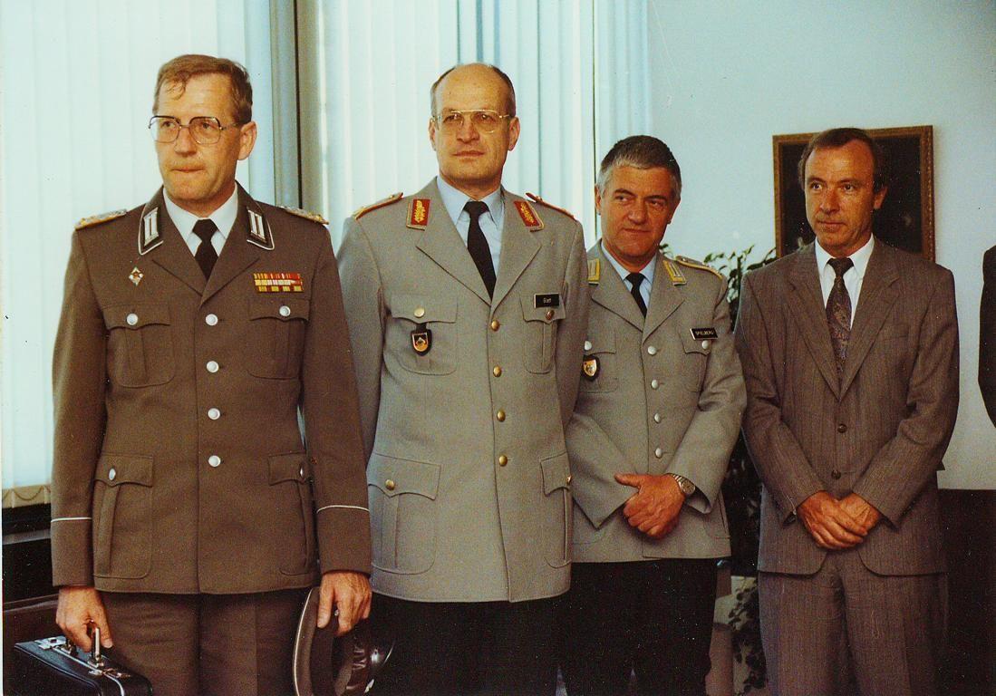 NUR FÜR EINESTAGES - EINESTAGES Treffen von Offizieren zweier deutscher Armeen