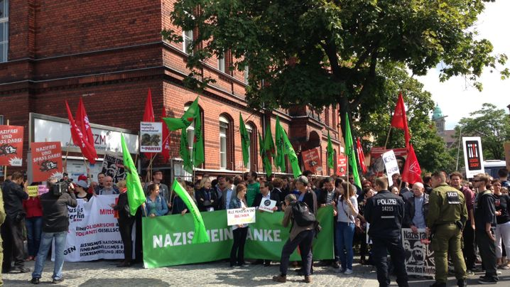 Proteste gegen Rechts: Gemeinsam gegen den Feind