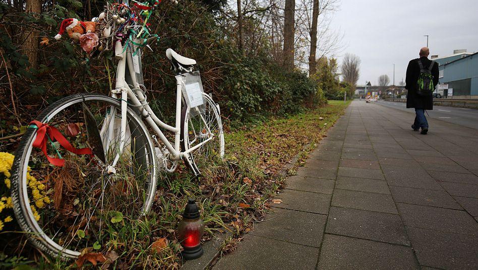 Gedenkstätte für die getötete Radfahrerin in Köln