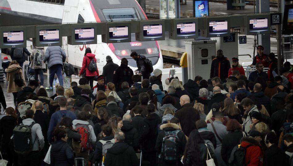 Bahnhof Gare de Lyon in Paris: Die Streiks laufen bereits seit drei Wochen