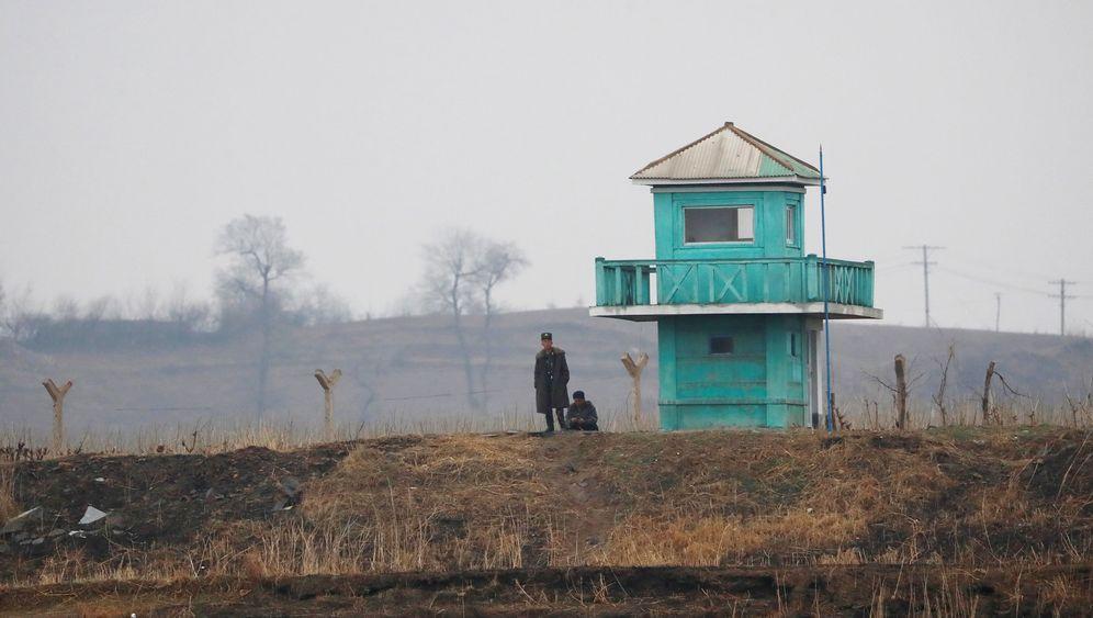 Streit um Nordkorea: Raketentests, Flugzeugträger, Bomberjacken