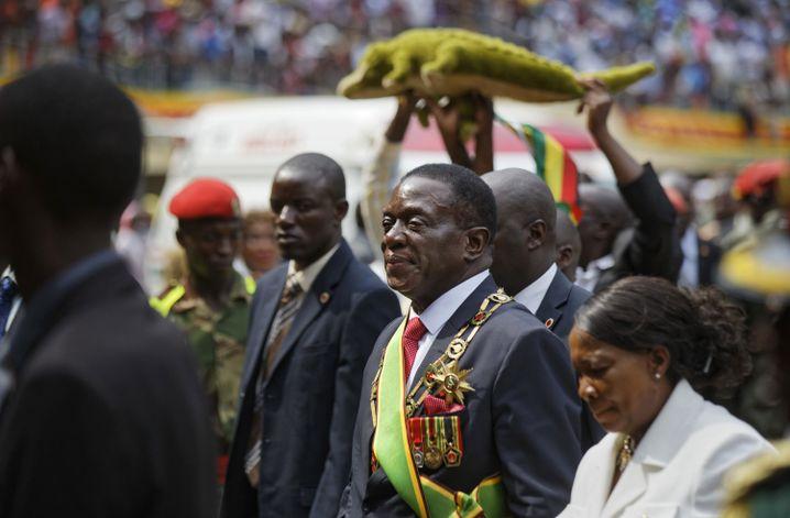 Mnangagwa und Krokodil im November 2017