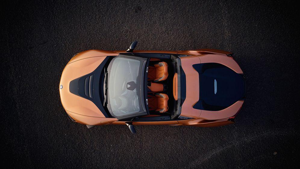 Autogramm BMW i8 Roadster: Vom Winde verweht