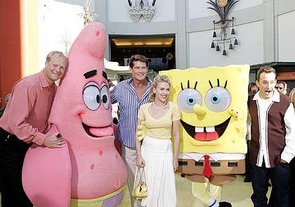 """Kassenschlager """"Spongebob"""" (mit Sprechern Scarlett Johansson und David Hasselhoff (2. v. l.)): Der Konurrenz eins auswischen"""