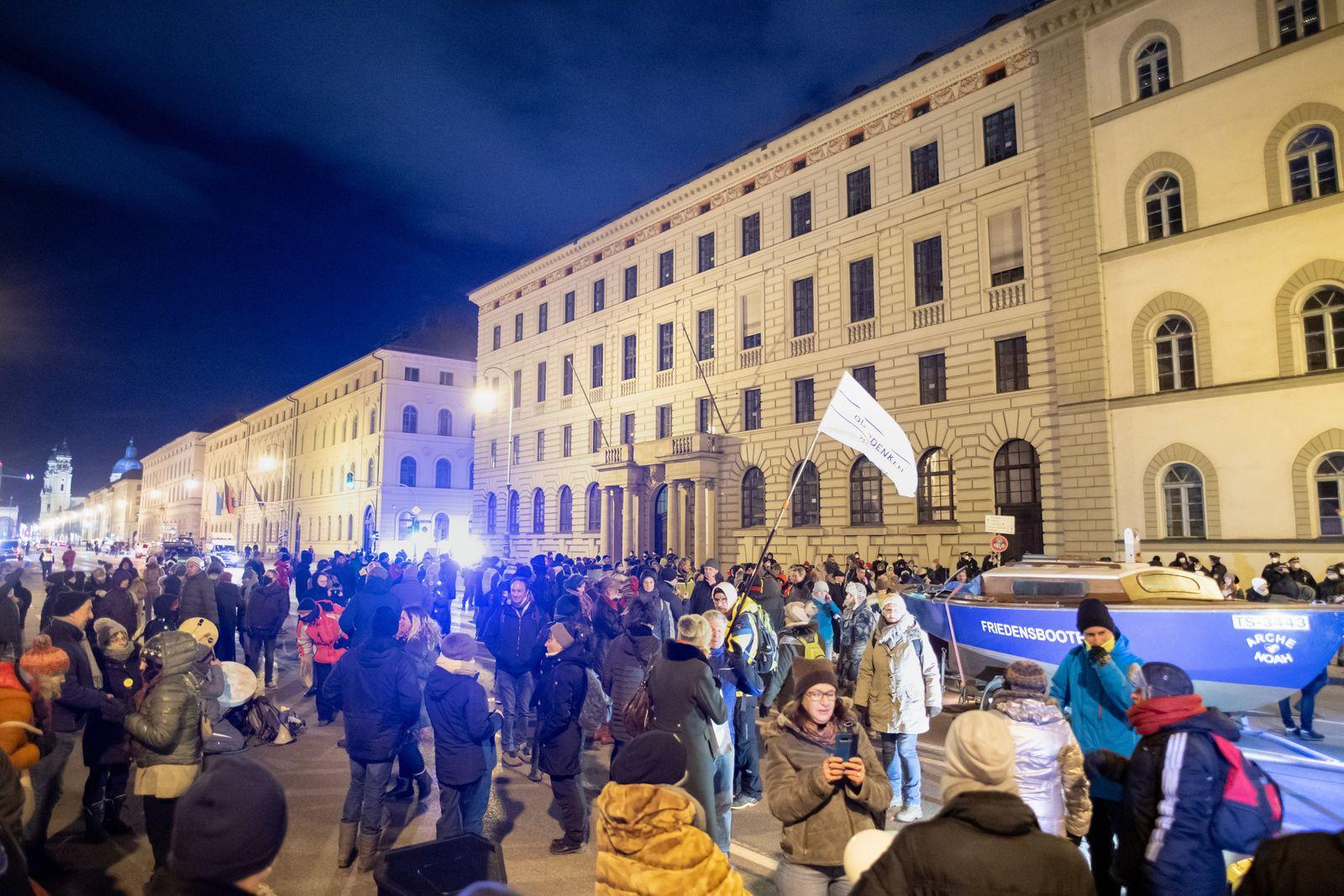 Demonstration der Querdenken-Bewegung in München