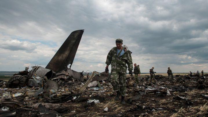 Kämpfe in der Ostukraine: Flugzeugabschuss in Luhansk
