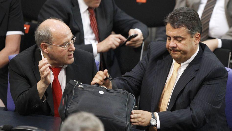 Gregor Gysi, Sigmar Gabriel (2010 im Bundestag): Rot-rot-grünes Gespenst