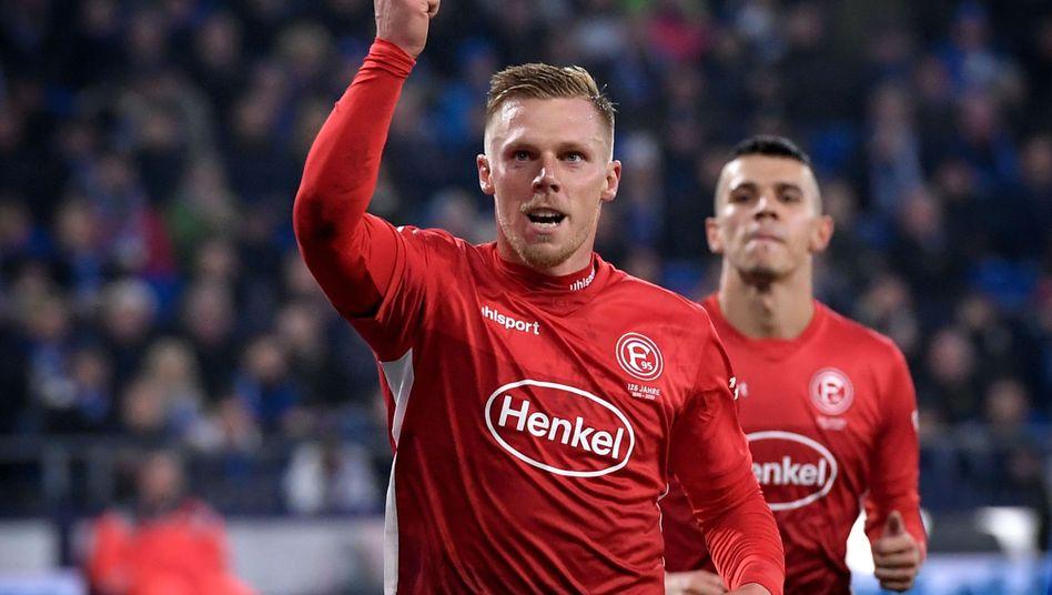 Rouwen Hennings: Drei Tore gegen Schalke