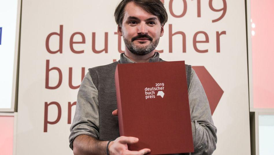 Sasa Stanisic bei der Preisverleihung im Frankfurter Römer