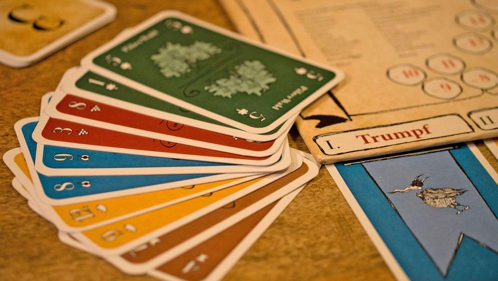 Geschenketipp: Die besten Kartenspiele für Reisen