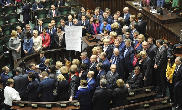 Oppositionspolitiker im Parlament