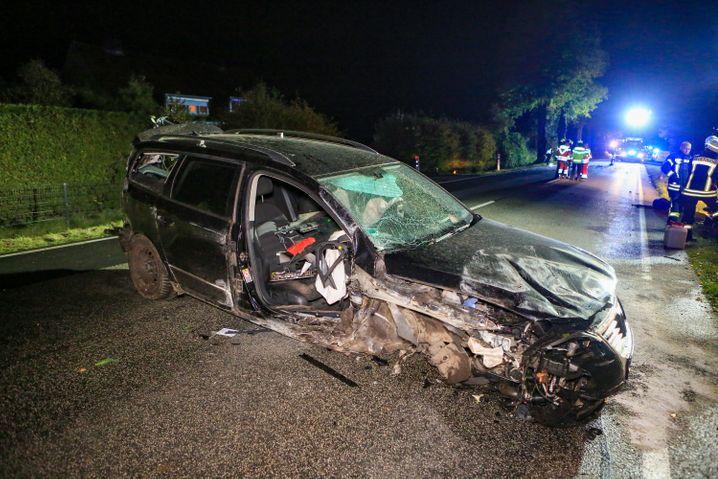Unfallauto auf der B 432