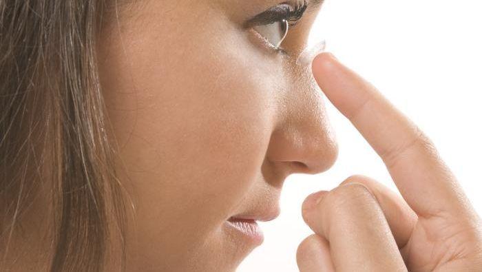 Sicher ins Auge: Zwischen Kontaktlinsen existieren große Unterschiede
