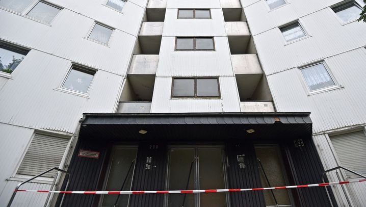 Hochhausräumung in Wuppertal: Auszug in Oberbarmen