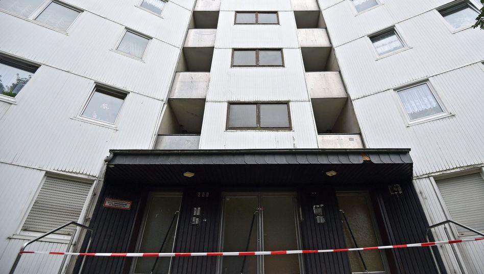 Wuppertaler Hochhaus geräumt: Eigentümer muss Fassadendämmung austauschen