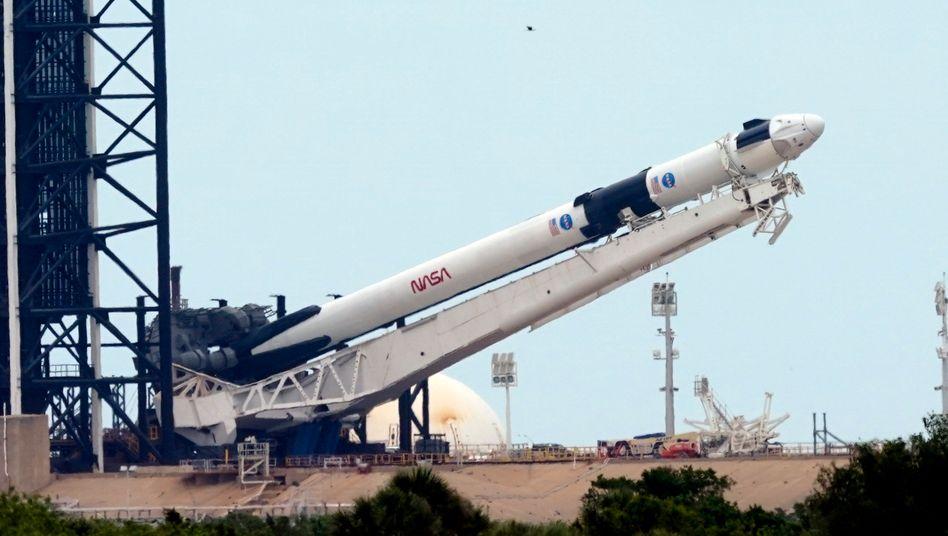 """SpaceX-""""Falcon 9"""" in Cape Canaveral: Gute Nachrichten in der Corona-Pandemie gewünscht"""