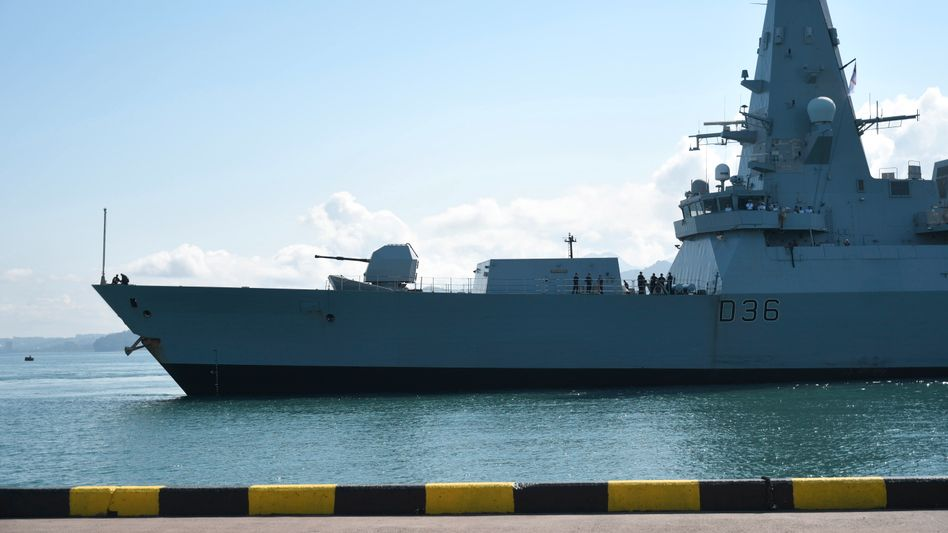 Der britische Zerstörer »HMS Defender« war bei der Vorbeifahrt an der von Russland militärisch annektierten Halbinsel Krim mit russischen Verbänden in Konflikt geraten