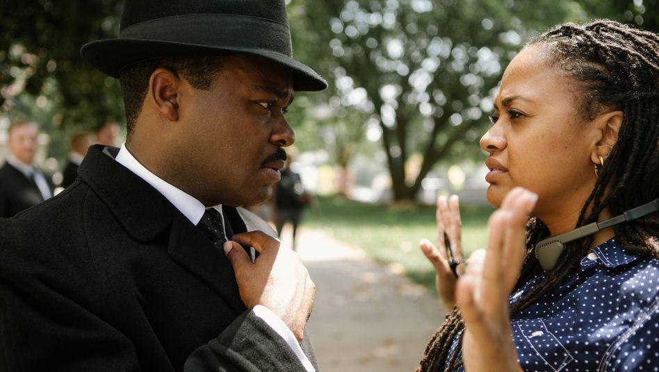 """Schauspieler David Oyelowo, Regisseurin DuVernay am Set von """"Selma"""": bei den Oscars 2015 übergangen"""