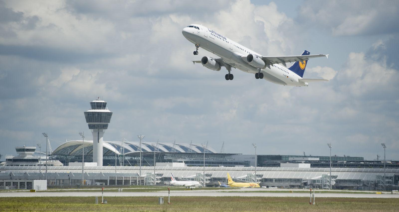 NICHT VERWENDEN Lufthansa / Flughafen / München