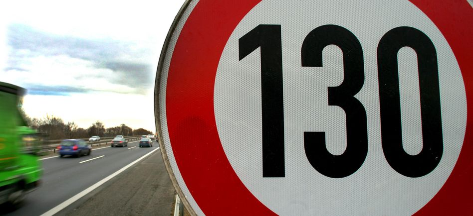 Tempolimit-Schild an der Autobahn (Symbolbild)