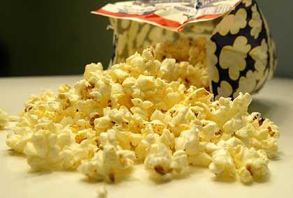 Mikrowellen-Popcorn für zu Haus: Schnell zubereitet, lecker, aber gesundheitsschädlich?