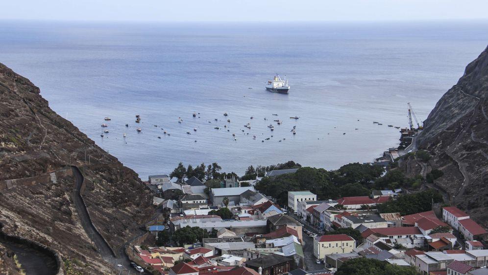 Von Kapstadt nach St. Helena: Fünf Tage auf dem Ozean