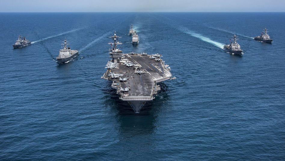US-Flugzeugträger im Verbund mit südkoreanischen Schiffen im Pazifik (Archivbild)