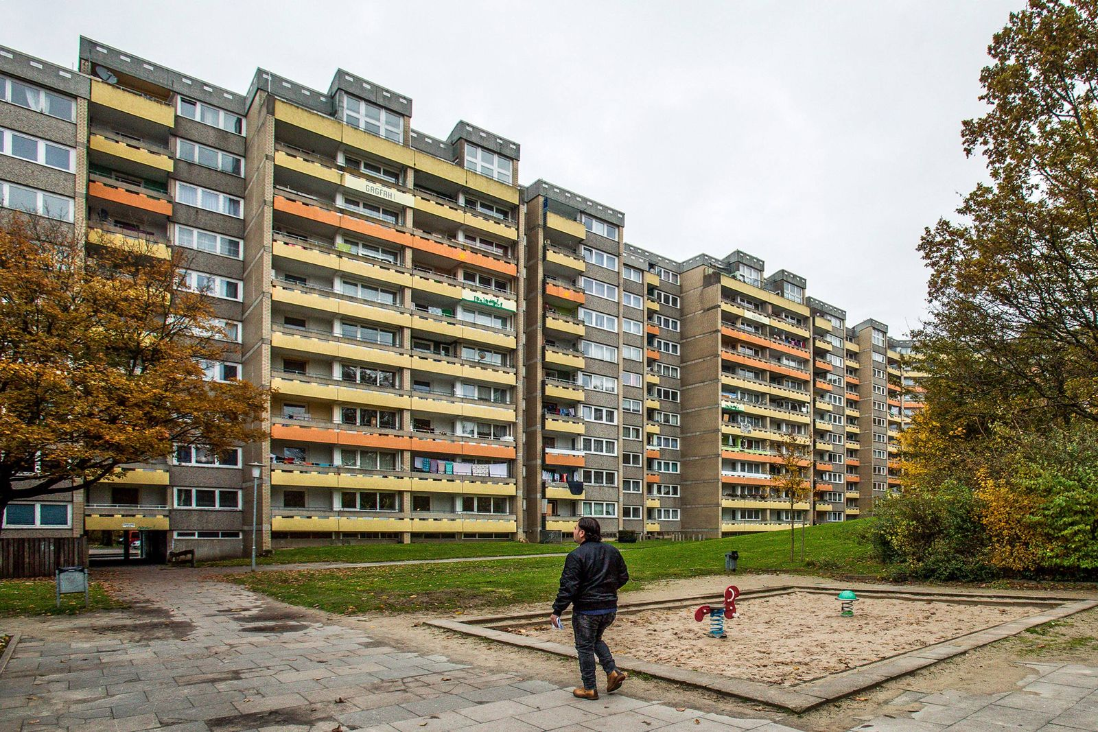 EINMALIGE VERWENDUNG Sozialer Wohnungsbau/ Plattenbau/ Armut