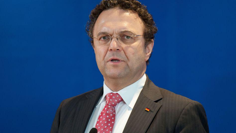 """Bundesinnenminister Friedrich (CSU): """"Keine Einfallstore für illegale Migranten"""""""