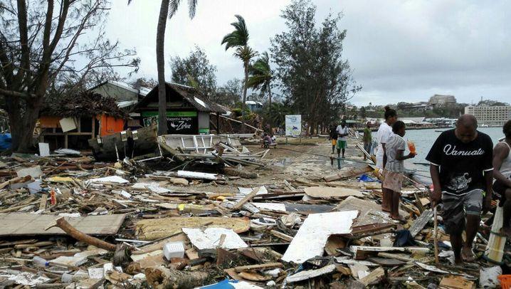 """Aufräumen nach Zyklon """"Pam"""": Chaos in Port Vila"""