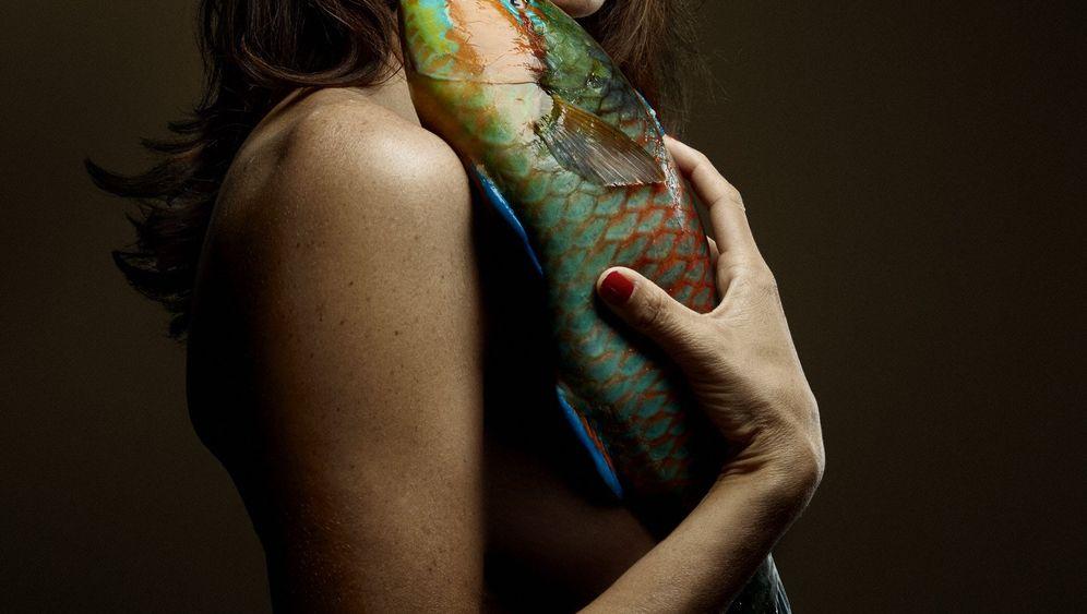 """""""Fishlove""""-Bilder: Akt mit Aal"""