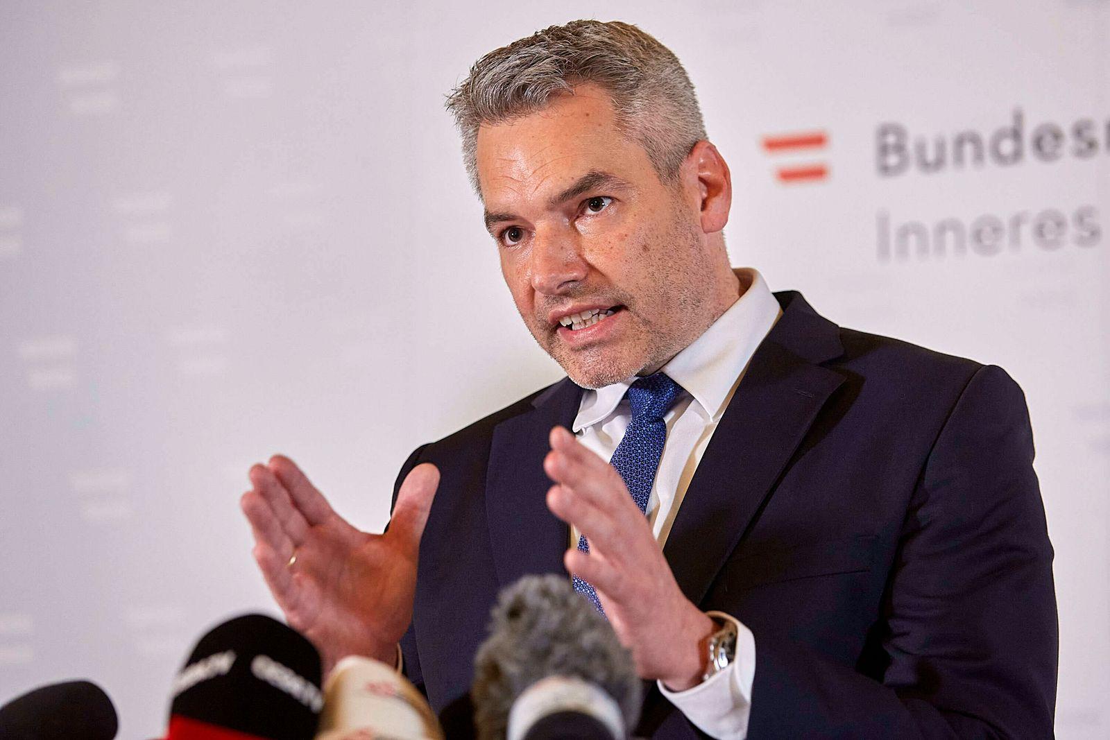 (201103) -- VIENNA, Nov. 3, 2020 -- Austrian Interior Minister Karl Nehammer speaks at a press conference in Vienna, ca