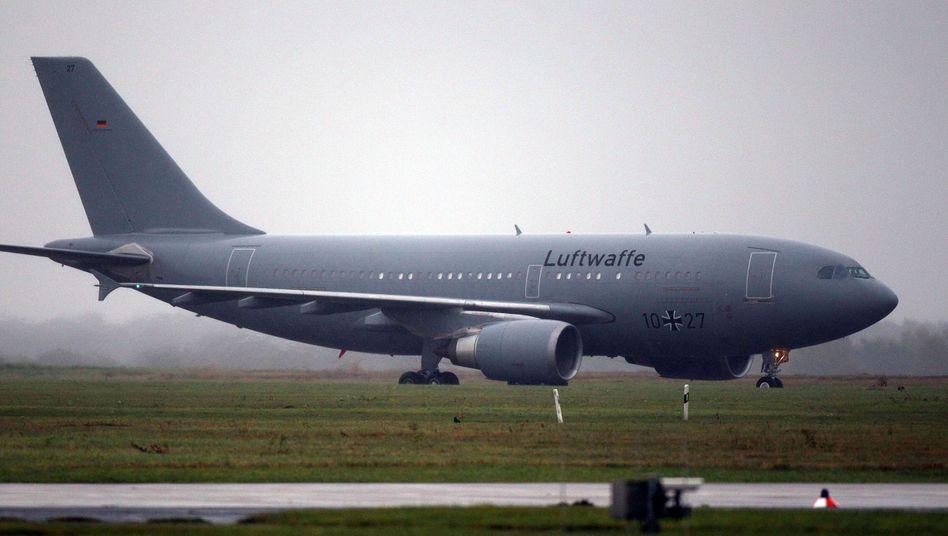 MedEvac-Airbus der Bundeswehr rollt auf dem Flughafen Köln-Bonn(Archivfoto)