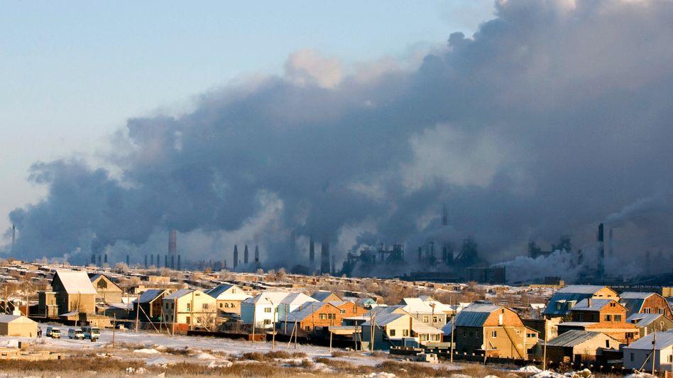 Stahlwerk in Zentralasien: Ringen um den Klimaschutz