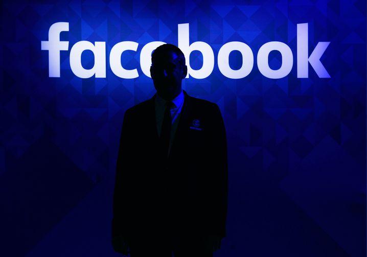 Facebook: Was darf der Konzern mit Nutzerdaten machen?