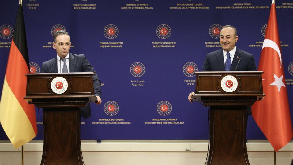 Außenminister Maas und Çavuşoğlu bei ihrer Pressekonferenz am 18.1.2021 in Ankara: Gegenseitige Freundlichkeiten