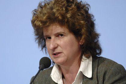 """Eva-Maria Stange: """"Wir halten nicht den Schirm"""""""