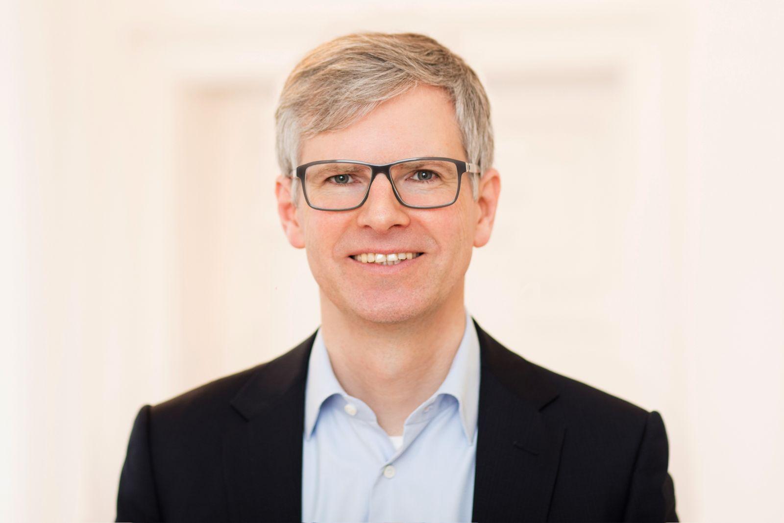 EINMALIGE VERWENDUNG Tobias Zink