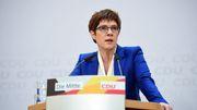 Merkel bedauert Rückzug von Kramp-Karrenbauer