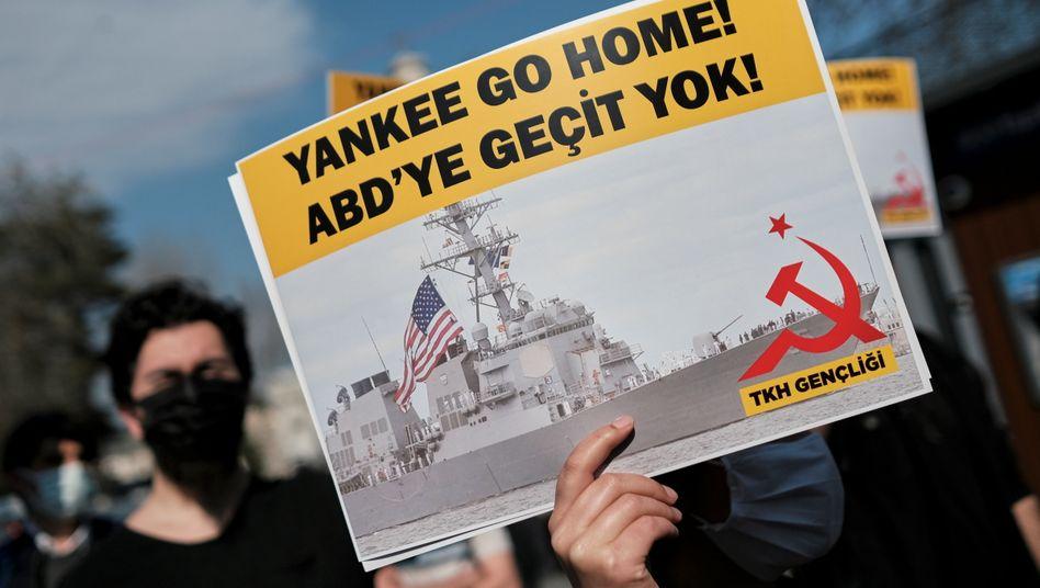 Türkische Proteste gegen die Entsendung amerikanischer Kriegsschiffe ins Schwarze Meer