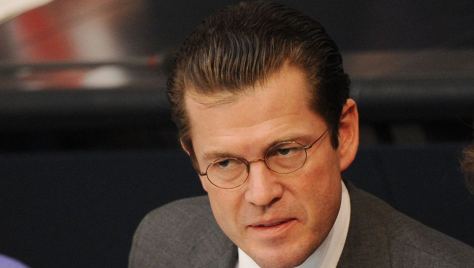 """Guttenberg am Mittwoch im Bundestag: """"Offensichtlich überfordert"""""""