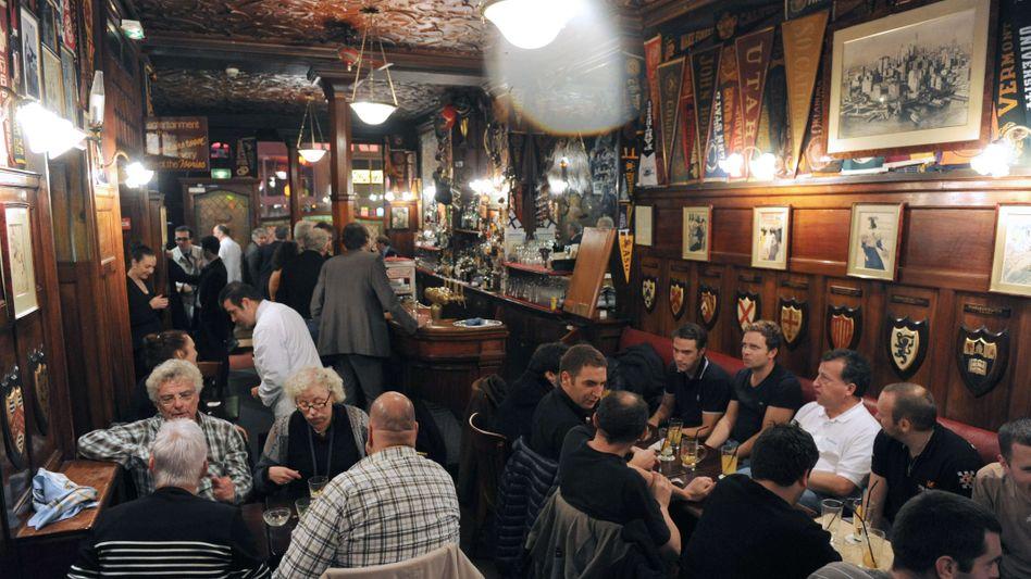 Gaststätte (in Paris, November 2011): Umgebungsgeräusche werden ausgeblendet